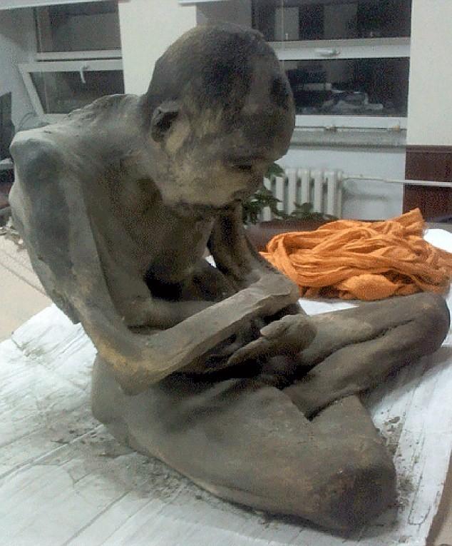 Phát hiện xác ướp ngồi thiền 200 năm tuổi  - ảnh 1