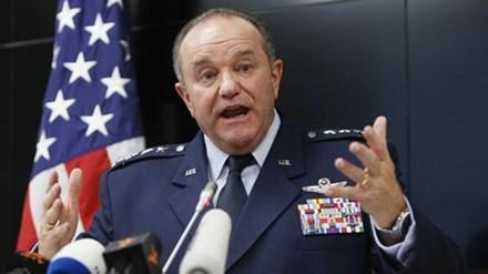 Tư lệnh đồng minh tối cao NATO ở châu Âu, Tướng Mỹ Philip Breedlove đã kêu gọi việc xây dựng hệ thống đường dây nóng (điện thoại đỏ) với Moscow.