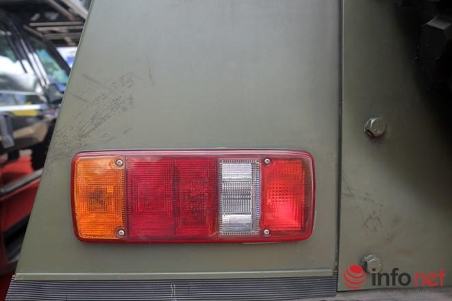 Cận cảnh xe chống đạn RAM-MKIII của lực lượng an ninh Việt Nam - ảnh 4