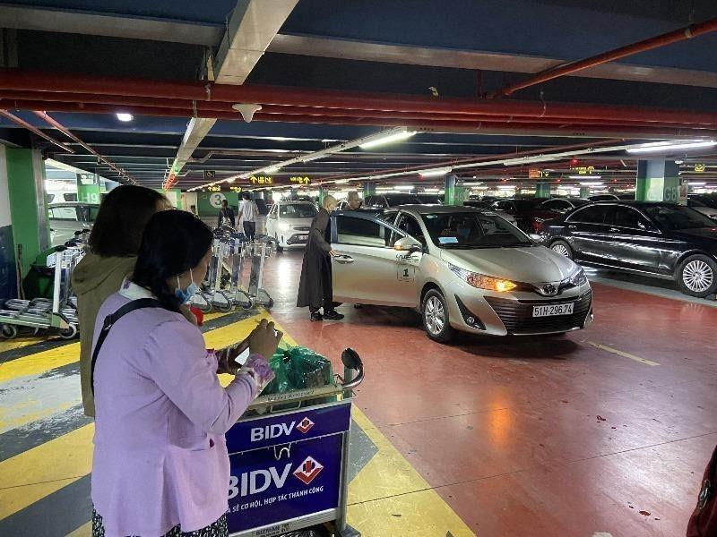 3 góp ý về cách đón tiễn ở sân bay Tân Sơn Nhất - ảnh 1