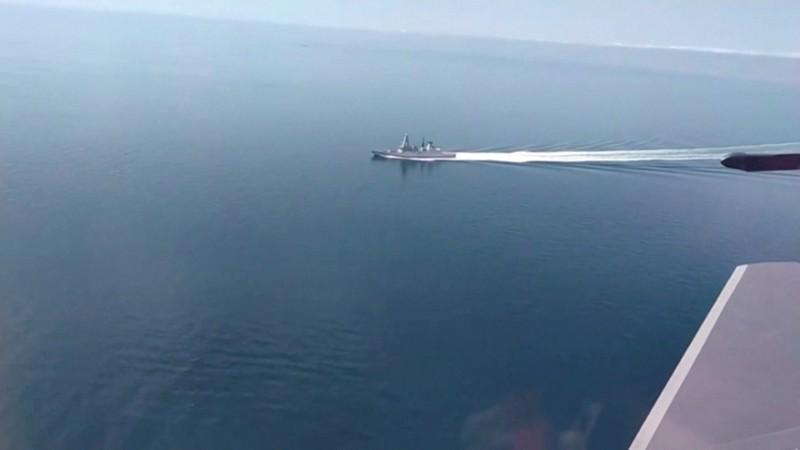 Moscow nói tàu khu trục Anh bị Nga bắn cảnh cáo, 'ném bom ngăn chặn' gần Crimea - ảnh 1