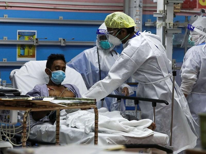Chỉ trong tháng 7, Malaysia 9 lần 'phá kỷ lục' số nhiễm mới theo ngày - ảnh 1