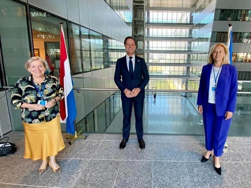 2 bộ trưởng ngoại giao-quốc phòng Hà Lan từ chức vì chuyện di tản ở Afghanistan - ảnh 1