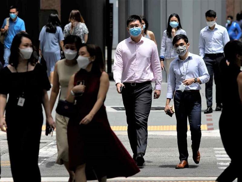 Singapore hơn 1.000 ca nhiễm ngày, Bộ trưởng Y tế nói 'không bất ngờ' - ảnh 1