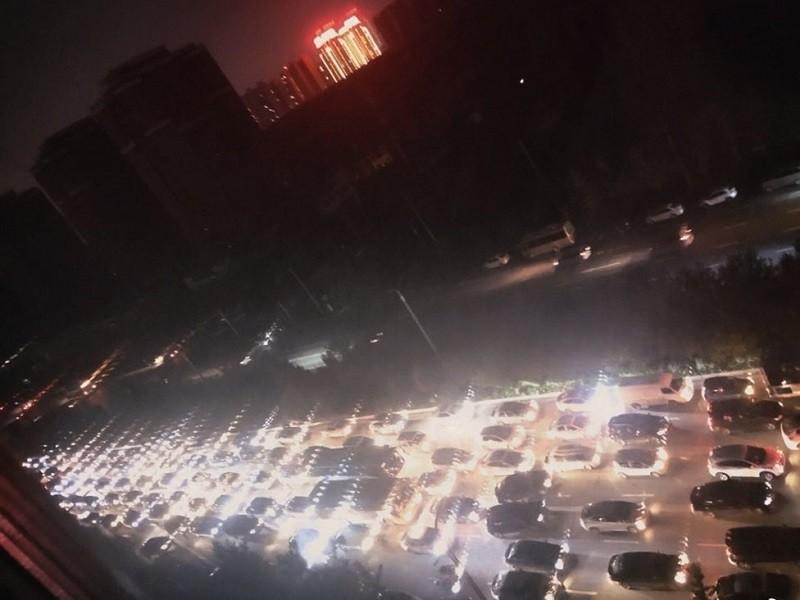 Trung Quốc thiếu điện trầm trọng, nguy cơ kéo giảm tăng trưởng kinh tế - ảnh 1