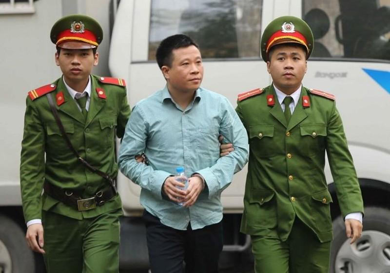 Cựu Chủ tịch OceanBank Hà Văn Thắm tiếp tục hầu tòa - ảnh 1