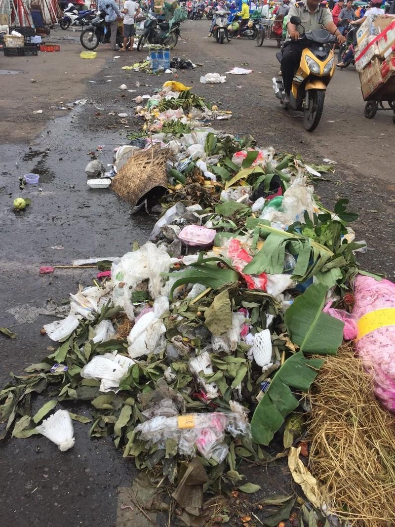 Chợ và nỗi lo về rác thải  - ảnh 2