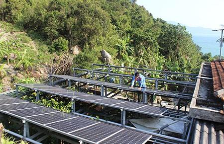Cần phát triển nguồn năng lượng xanh cho hải đảo - ảnh 1