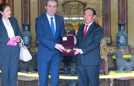 Thủ tướng Cộng hòa Bulgaria thăm di tích Huế - ảnh 1
