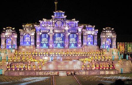 Festival Huế 2014 đầy màu sắc trong đêm khai mạc - ảnh 1