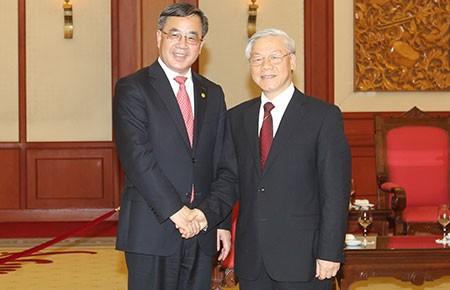 Cam kết thúc đẩy hợp tác giữa Quảng Đông và các địa phương VN - ảnh 1