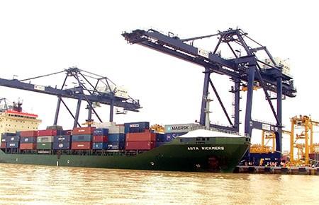 Khai thông kinh tế cảng biển TP.HCM - ảnh 1