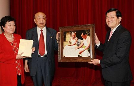 Truyền cho thế hệ trẻ ý nghĩa tình hữu nghị Việt-Trung - ảnh 1