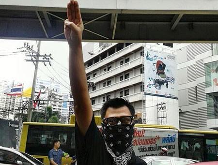 Quân đội Thái Lan nới lỏng lệnh giới nghiêm - ảnh 1
