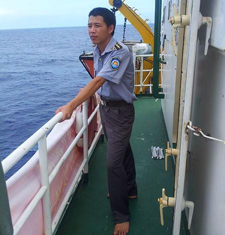 Hiên ngang đối đầu với tàu Trung Quốc - ảnh 2