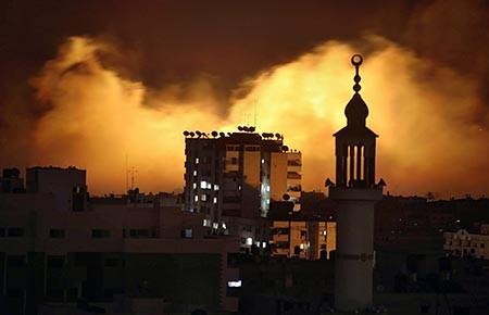 Dải Gaza chìm trong biển lửa - ảnh 1