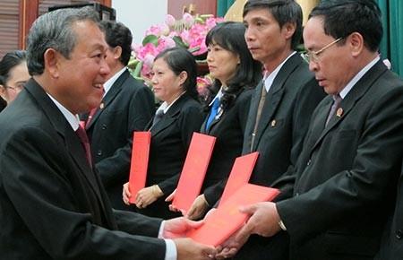 Trao quyết định bổ nhiệm cho 71 thẩm phán phía Nam - ảnh 1