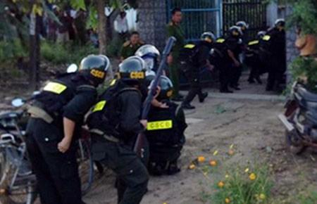 Vụ giang hồ nổ súng vào cảnh sát: Bắt giam bảy bị can tội đánh bạc - ảnh 1