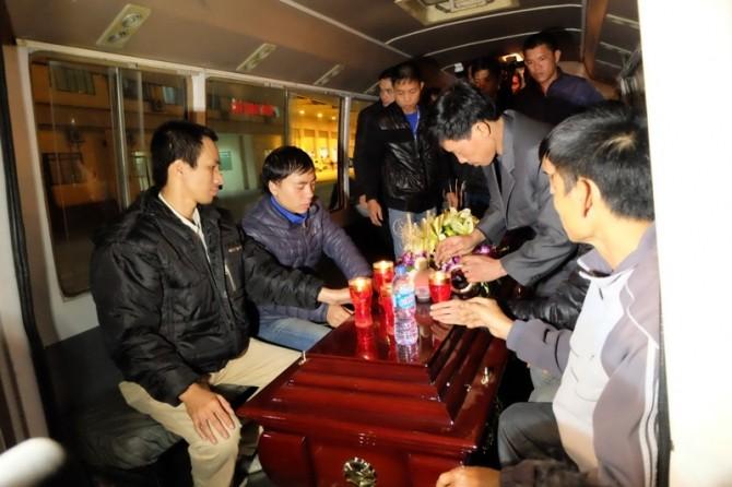 Đưa thi thể thuyền viên bị cướp biển sát hại về Việt Nam - ảnh 1