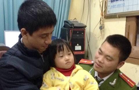 Giải cứu thành công bé gái bị bắt cóc giữa ban ngày ở Hà Nội - ảnh 1