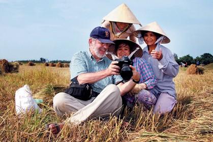 Đề nghị giảm thuế để thu hút khách du lịch - ảnh 1