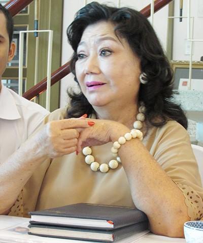 Kỳ nữ Kim Cương: 'Nhìn đám cưới người ta cũng thấy đỡ ghiền' - ảnh 1