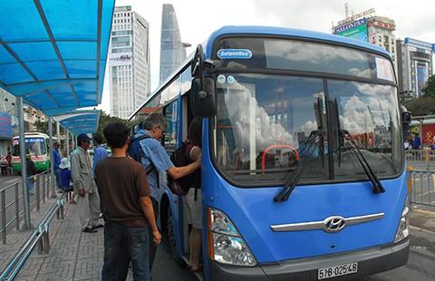 Ra quân chiến dịch 'Tuyến xe buýt thân thiện, an toàn' - ảnh 1
