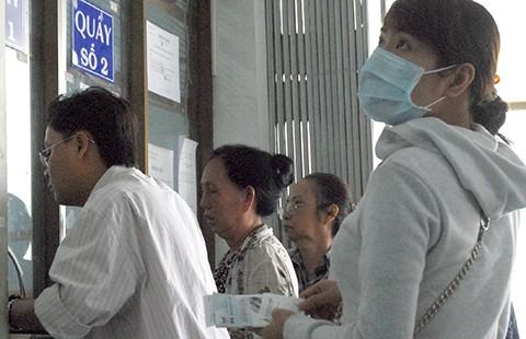 Đồng loạt điều chỉnh phí khám, chữa bệnh - ảnh 1