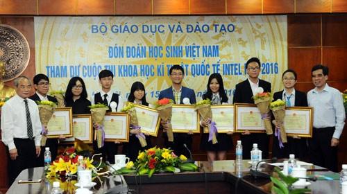 Việt Nam đạt bốn giải ba tại Hội thi khoa học kỹ thuật quốc tế 2016 - ảnh 1