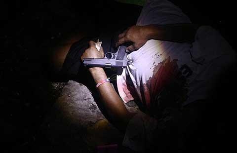 Bắn chết hàng loạt cho tội phạm khiếp vía  - ảnh 1