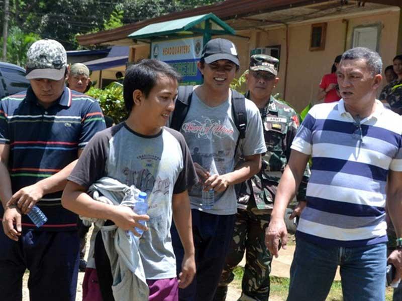Abu Sayyaf trả tự do cho 3 con tin Indonesia - ảnh 1