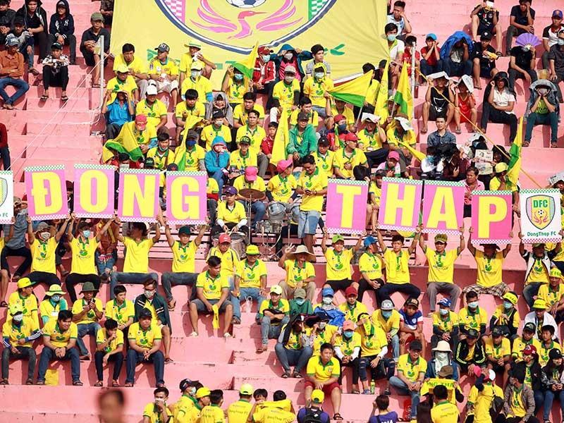 Bóng đá Việt Nam: 'Thẩm mỹ viện' V-League  - ảnh 3
