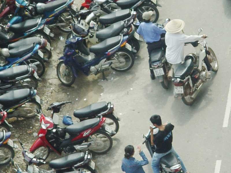 Đáp án kỳ 11: Cảnh sát giao thông xử lý chưa đúng - ảnh 1