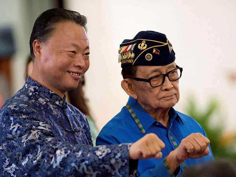 Philippines muốn nhiều tỉ USD từ Bắc Kinh - ảnh 1
