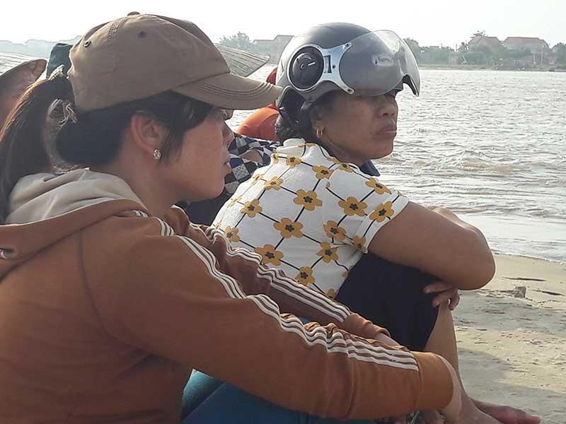 Tan hoang làng biển Cảnh Dương - ảnh 1