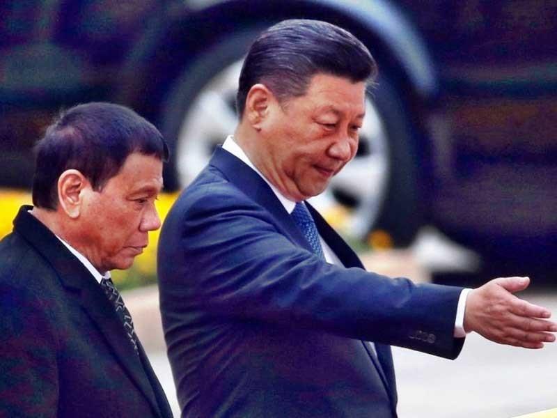 Duterte đến Nhật nêu vấn đề biển Đông - ảnh 1