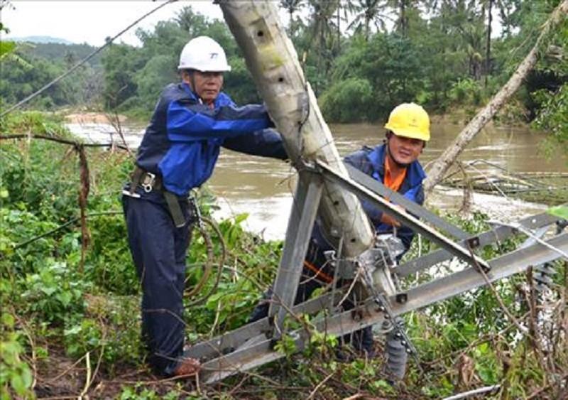 EVN đã khôi phục cấp điện toàn bộ tỉnh bị mưa lũ - ảnh 1