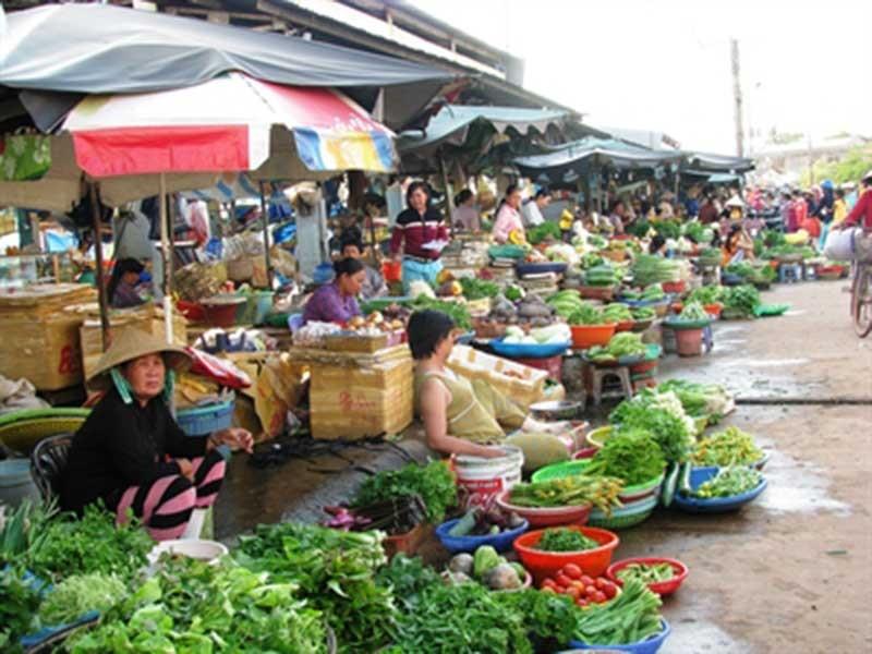 Không quên được chợ truyền thống - ảnh 1
