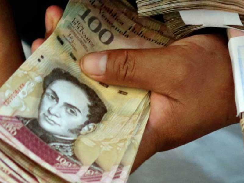 Venezuela ngừng lưu thông giấy bạc 100 bolivar - ảnh 1