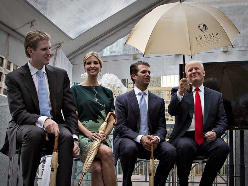 Nội các tỉ phú của ông Trump gây vô số tranh cãi - ảnh 1