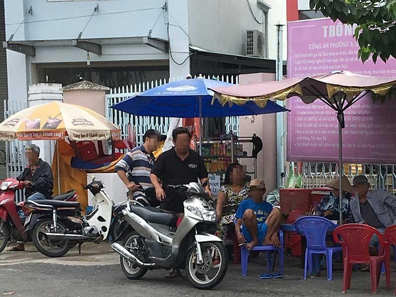 Nhan nhản cò vé ở Ga Sài Gòn - ảnh 1