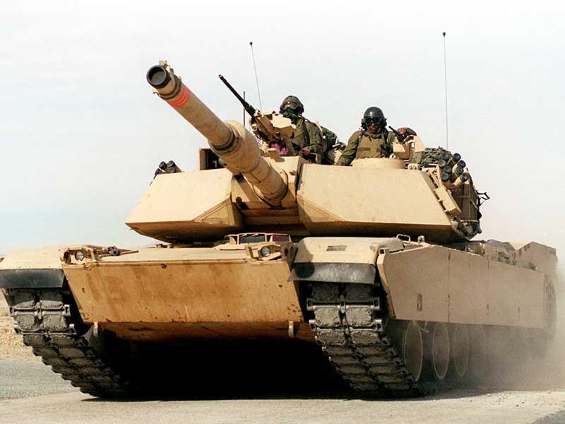 Mỹ đưa xe tăng trở lại châu Âu đối phó Nga - ảnh 1