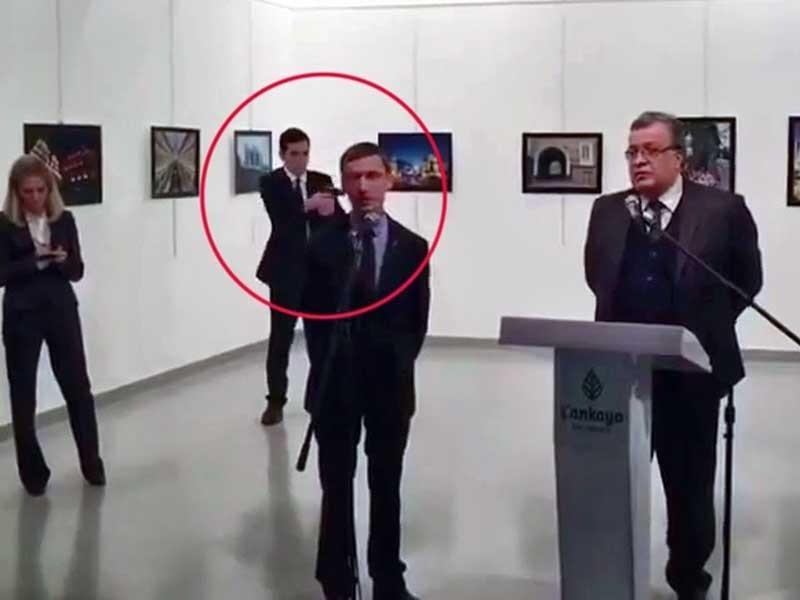 Vì sao đại sứ Nga không có cận vệ bảo vệ? - ảnh 1