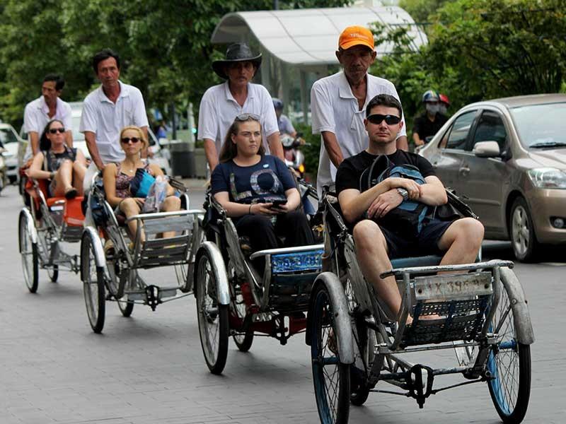 Việt Nam lập kỷ lục đón khách quốc tế - ảnh 1