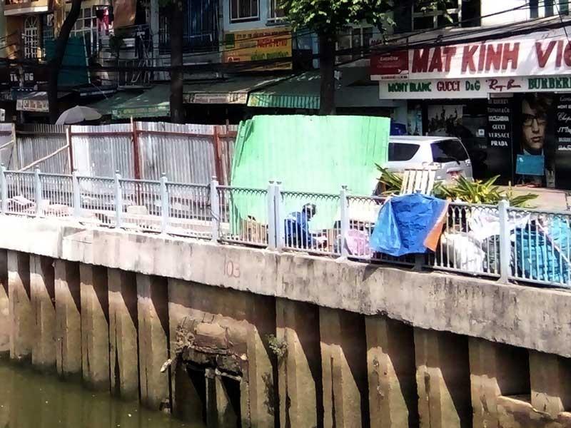 Thêm ba nơi sụp lún trên kênh Nhiêu Lộc - Thị Nghè - ảnh 1
