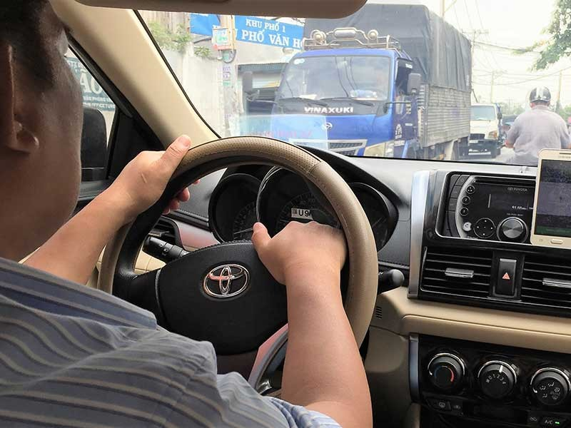 TP.HCM sẽ khống chế xe Grab, Uber - ảnh 2