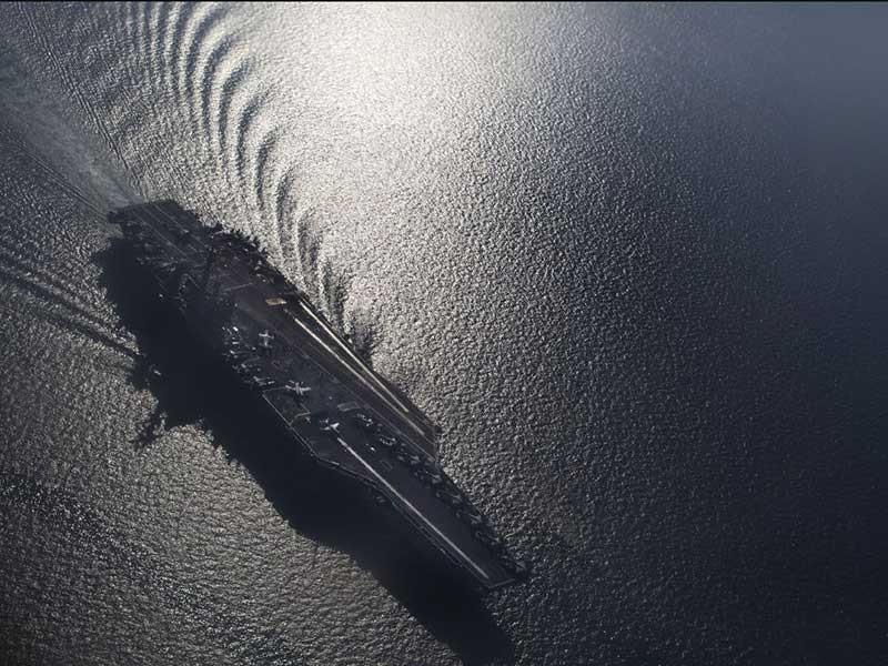 Cận cảnh siêu tàu sân bay Mỹ tuần tra biển Đông  - ảnh 1