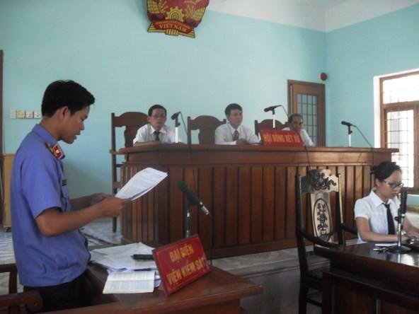 Cấm kiểm sát viên nói ngọng, nói lắp tại phiên tòa - ảnh 1