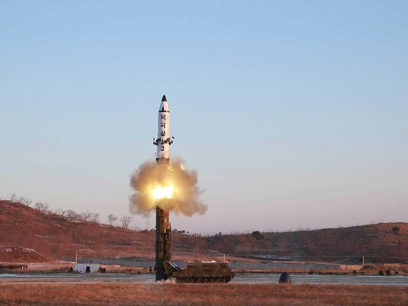 Tên lửa Triều Tiên có thể vươn đến Mỹ?  - ảnh 1