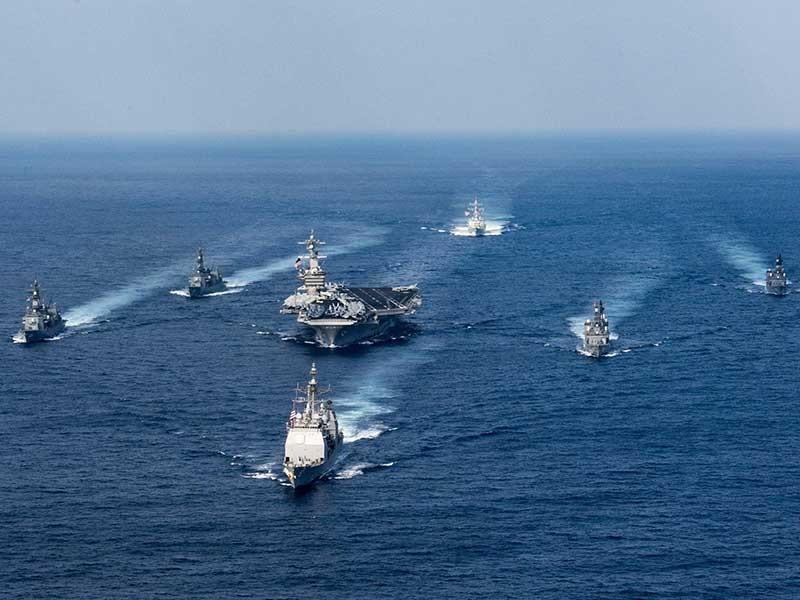 Sốc: Hạm đội phủ đầu của Mỹ cách Triều Tiên ngàn cây số - ảnh 1